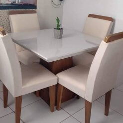 Conjunto Mesa de Jantar com 4 Cadeiras Luna 90x90 Foto Real
